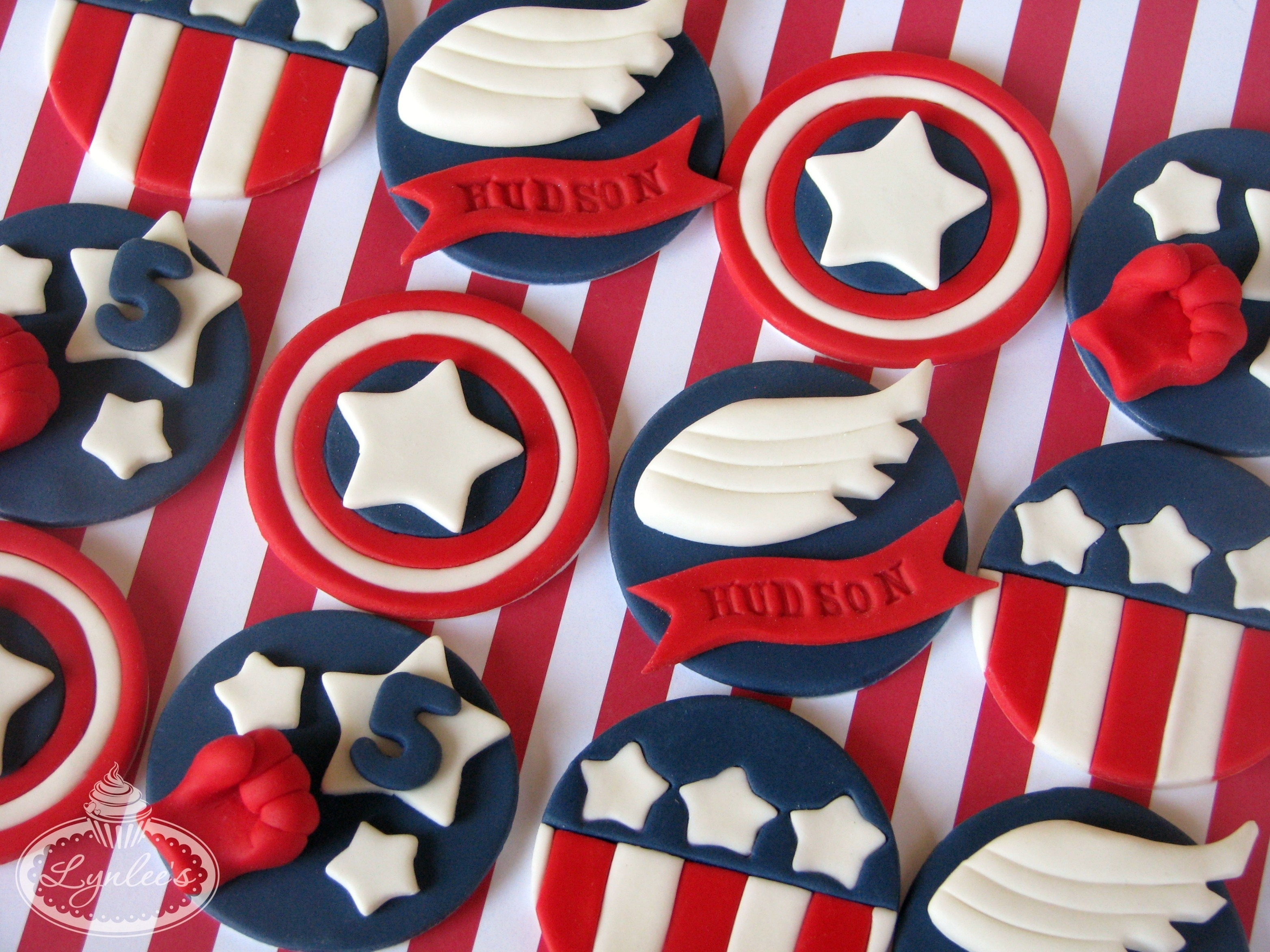 Captain America Cupcakes To Serve And Protect Lynlees
