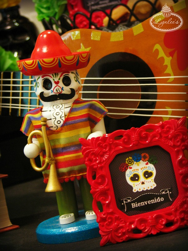 Day of the Dead decor ~ Lynlee's