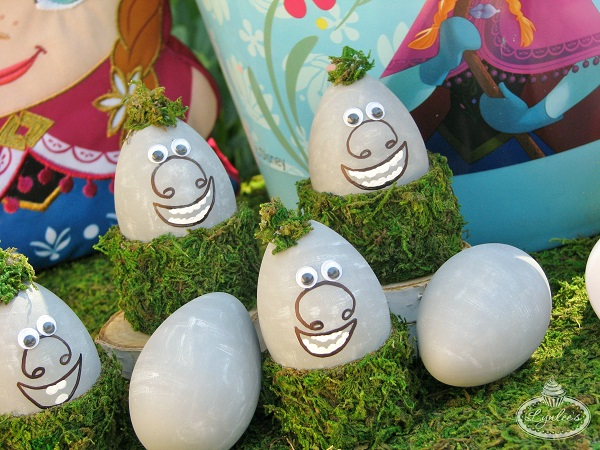 Frozen-Trolls-Easter-Eggs