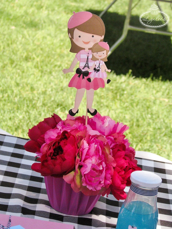 An American Girl in Paris cupcake flower centerpiece ~ Lynlee's