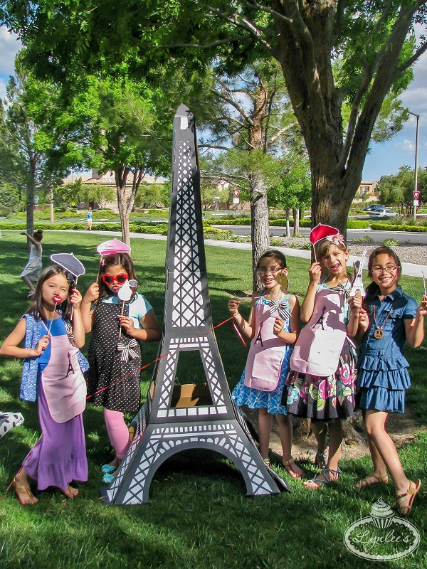 An American Girl in Paris photo props ~ Lynlee's
