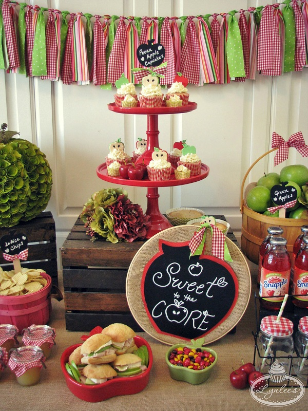 Sweet to the Core cupcake stand