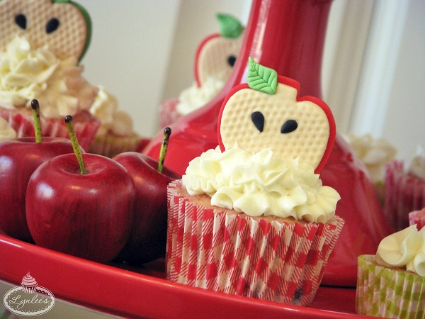Apple Core Fondant Cupcake Tutorial