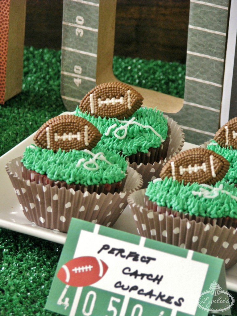 endzone-cupcakes-close-up