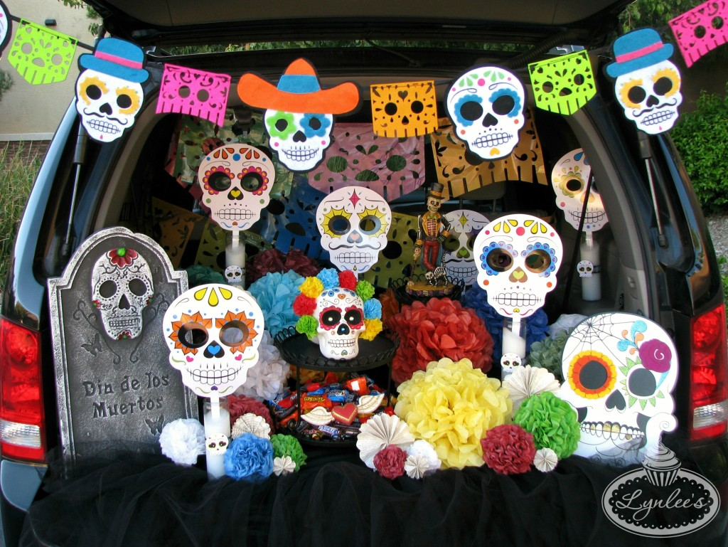 Day of the Dead trunk decor