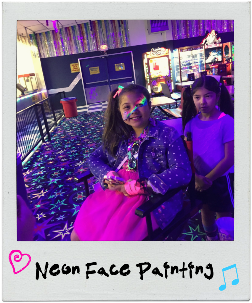 neon-80s-rollerskating-party-face-painting