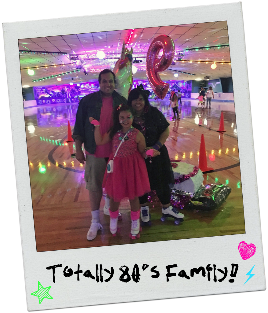 neon-80s-rollerskating-party-family-pic
