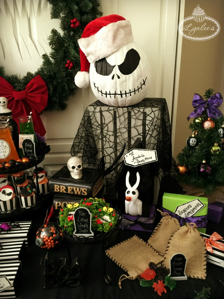 nightmare before christmas party table decor lynlees