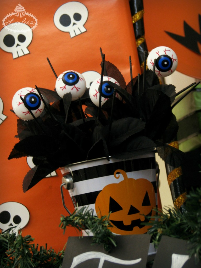 Nightmare Before Christmas party floral arrangement ~ Lynlee's